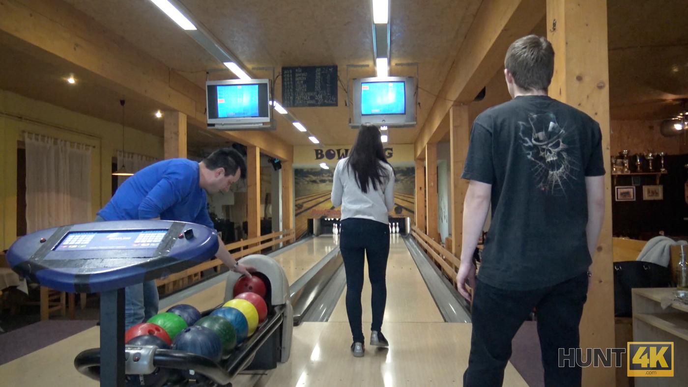 ELBA: Hunt sex in a bowling place ive got strike